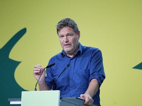 Robert Habeck spricht beim außerordentlichen Länderrat der Grünen.