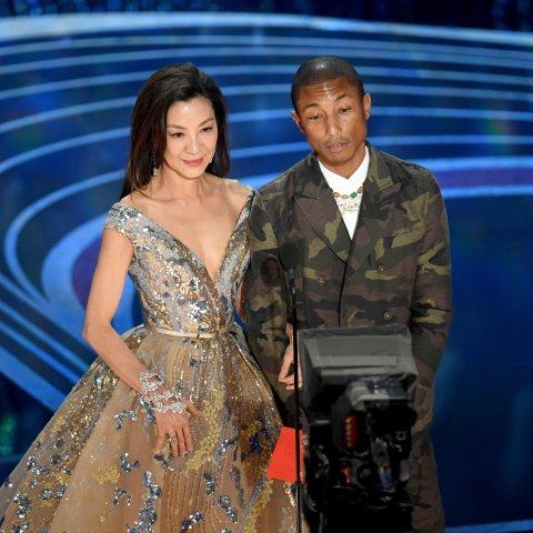Sänger Pharrell Williams hat mehrere Kollektionen für Lagerfeld designt.